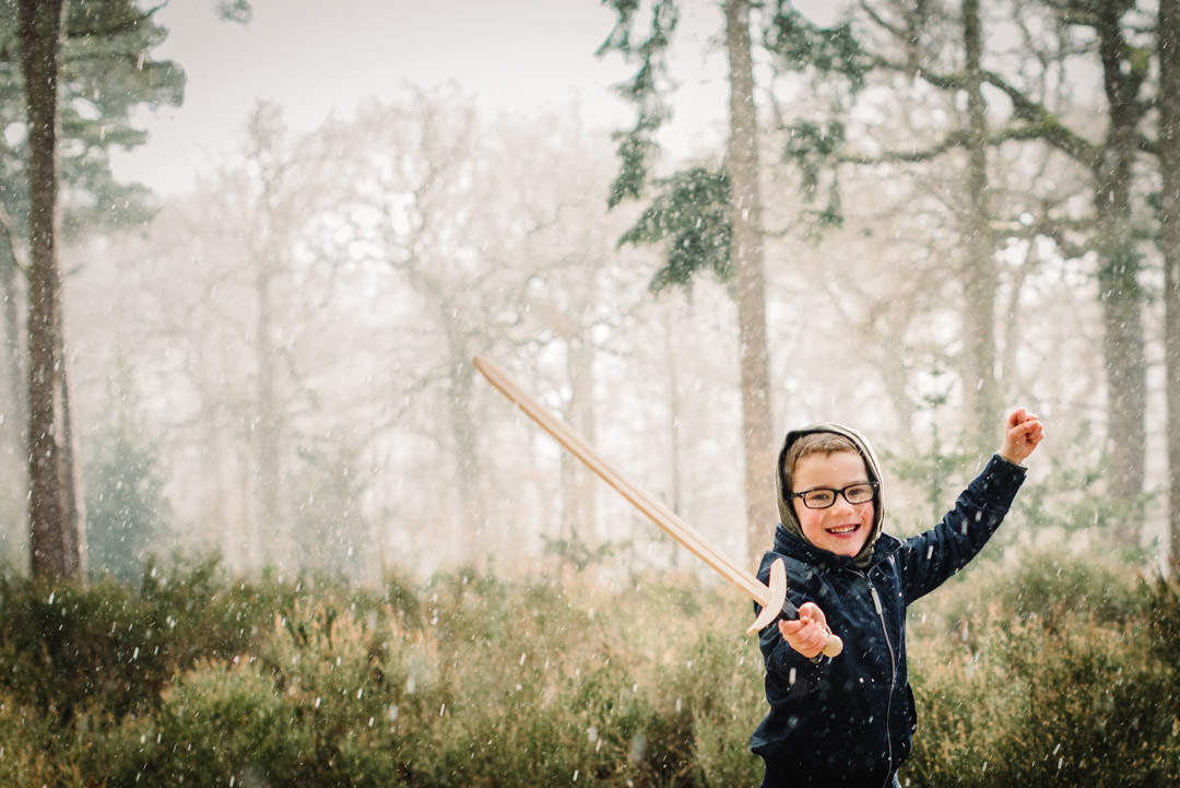 playing in the woods with welwyn garden city family photographer